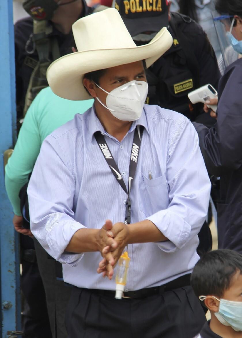 Perú apunta a segunda vuelta presidencial en reñida lucha