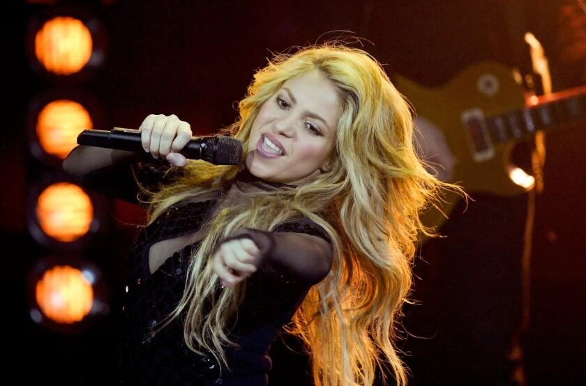 Shakira cancela el inicio de su gira
