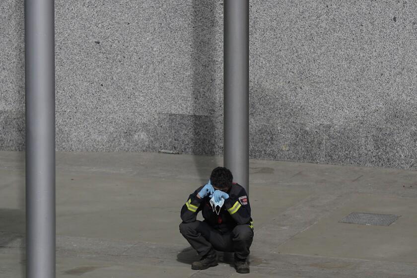 CORRECTION Viurus Outbreak Spain Touches of Humanity