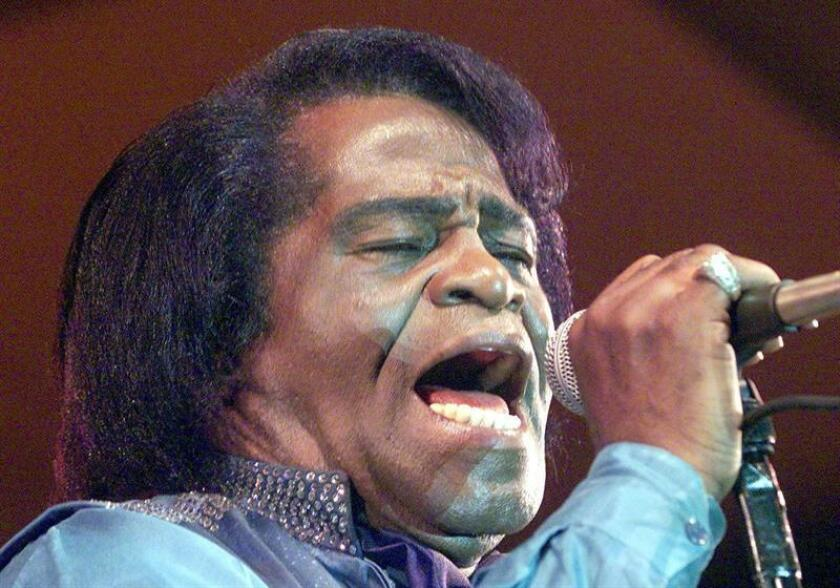 "James Brown, the ""Godfather of Soul"", sings during the only concert in Germany of his European tour at the festival ""Jazz at the Donau (river)"" in Vilshofen, Bavaria late Friday evening 14 July 2000. EFE/ EPA PHOTO DPA"