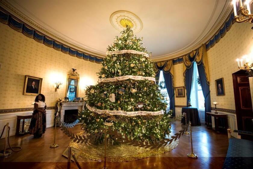 Vista general de una sala de la Casa Blanca que albergará a los medios para presentar su decoración navideña en Washington, Estados Unidos, hoy 29 de noviembre de 2016. La mayor parte de la decoración fue diseñada por Rafanelli Events y llevada a cabo por 92 voluntarios de todo el país. EFE
