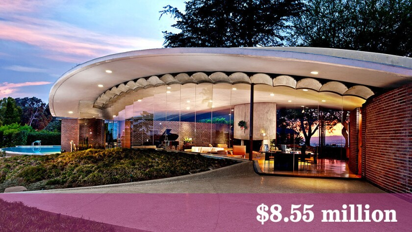 The John Lautner-designed Silvertop sells quickly for above the asking price.