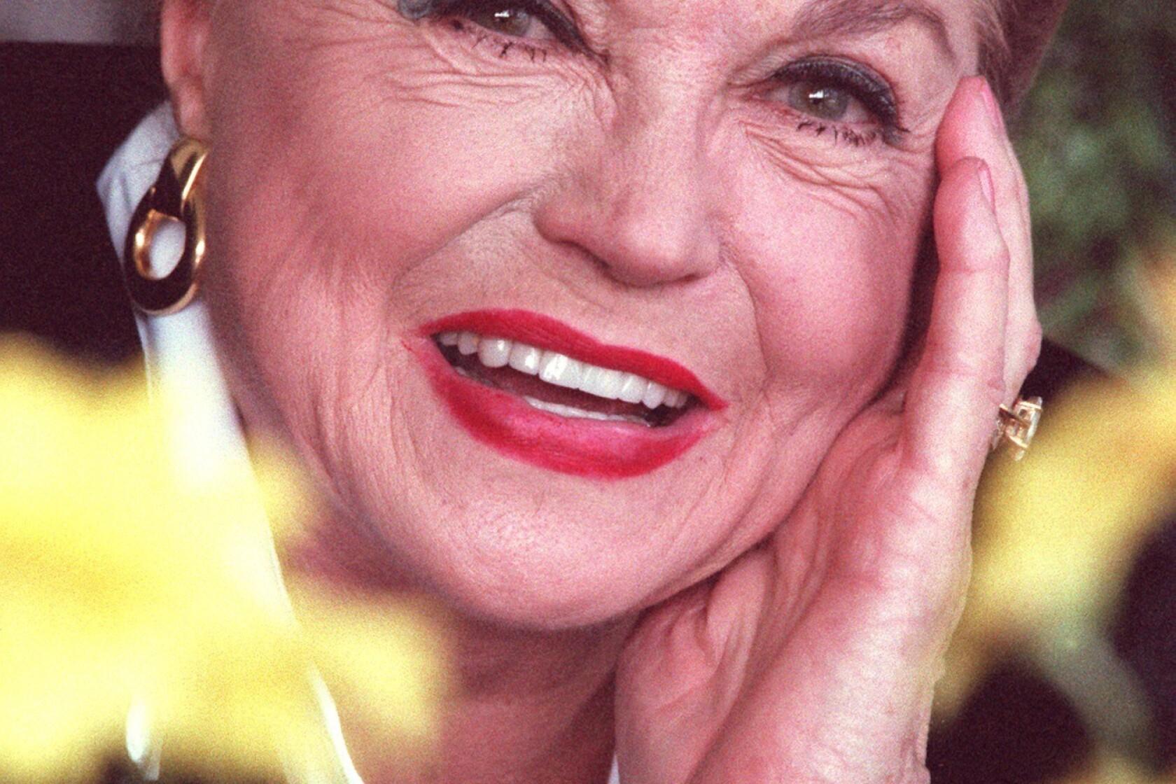 cbb48bb571173 Esther Williams dies at 91; athletic star of aquatic musicals - Los ...