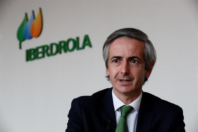 Fotografía del presidente de la Asociación Mexicana de Energía (AME) y director general de Iberdrola México, Enrique Alba, durante una entrevista con Efe, en Ciudad de México (México). EFE