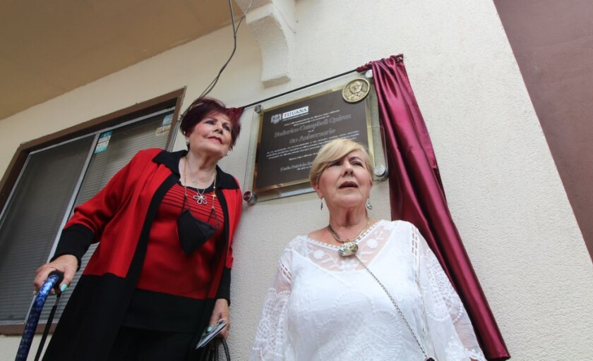 Silvia y Sarina Campbell, hermanas de Federico Campbell.