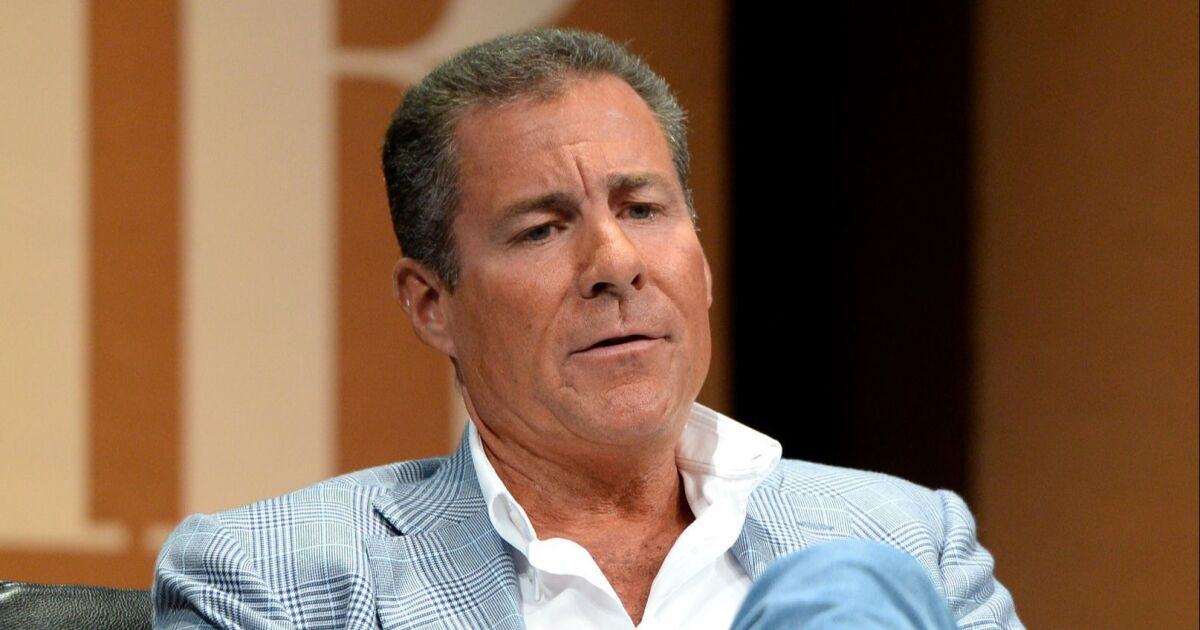 Former HBO chief Richard Plepler negotiating deal with Apple