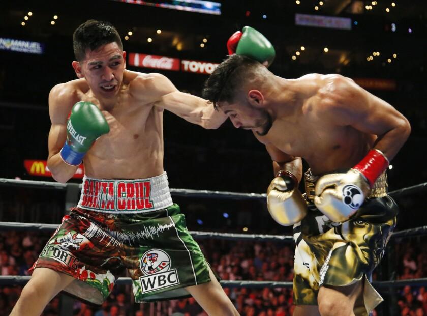 Leo Santa Cruz defends featherweight belt Feb. 27 at Honda Center