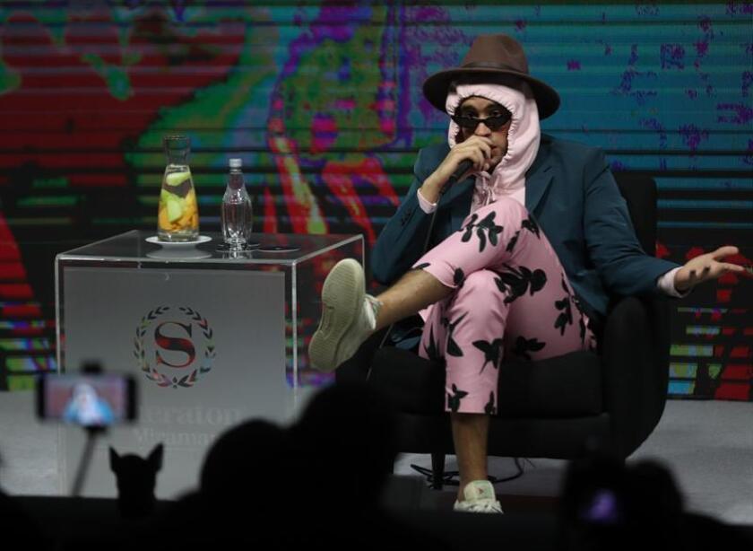 El cantante puertorriqueño de rap Bad Bunny participa en una rueda de prensa. EFE/Archivo