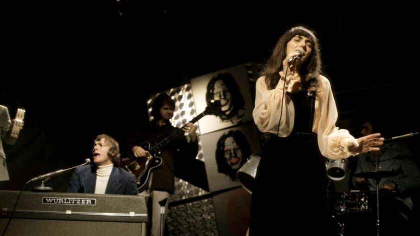 Photo of Karen CARPENTER and Richard CARPENTER and CARPENTERS