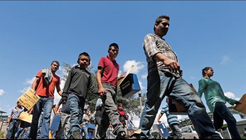 """Una de las principales causas de deportación de migrantes es la existencia de historial delictivo, aunque los activistas aseguran que hay una opción de """"limpiar"""" antecedentes criminales y reducir así las opciones de ser repatriado. EFE/Archivo"""