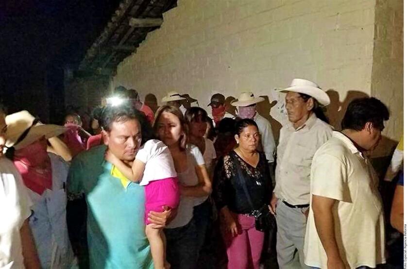 """Entre los acuerdos alcanzados por autodefensas y autoridades se cuenta que el Gobierno de Héctor Astudillo se comprometió a intensificar la búsqueda, localización y detención del líder de """"Los Tequileros"""" y de todos sus integrantes."""