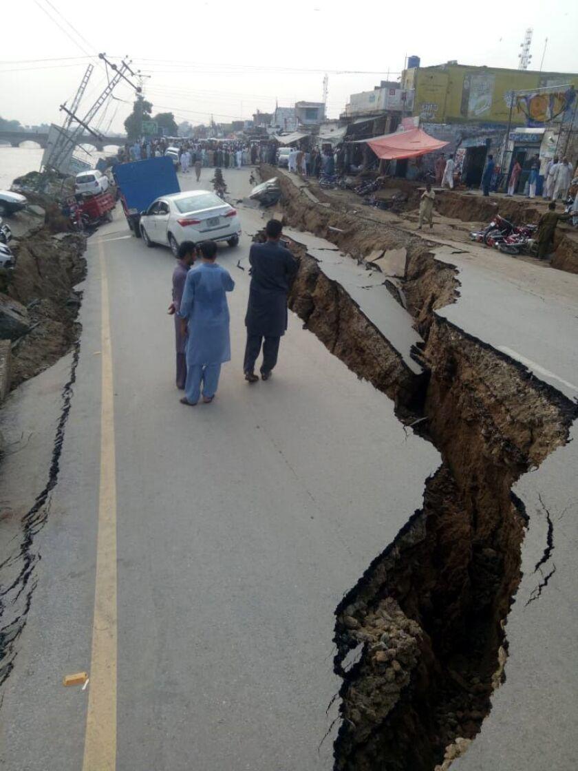Earthquake hits Pakistan