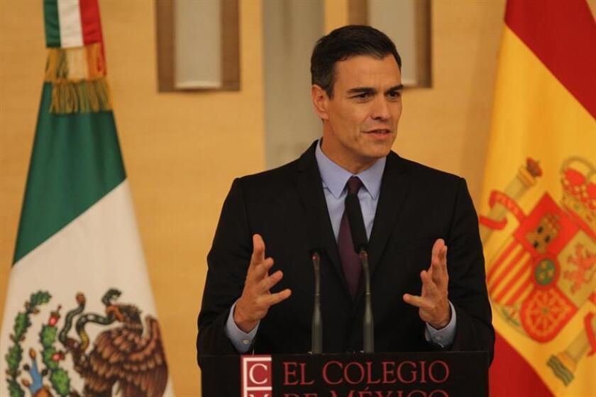 El presidente del Gobierno español, Pedro Sánchez, habla durante un un acto en el Colegio de México en Ciudad de México (México). EFE