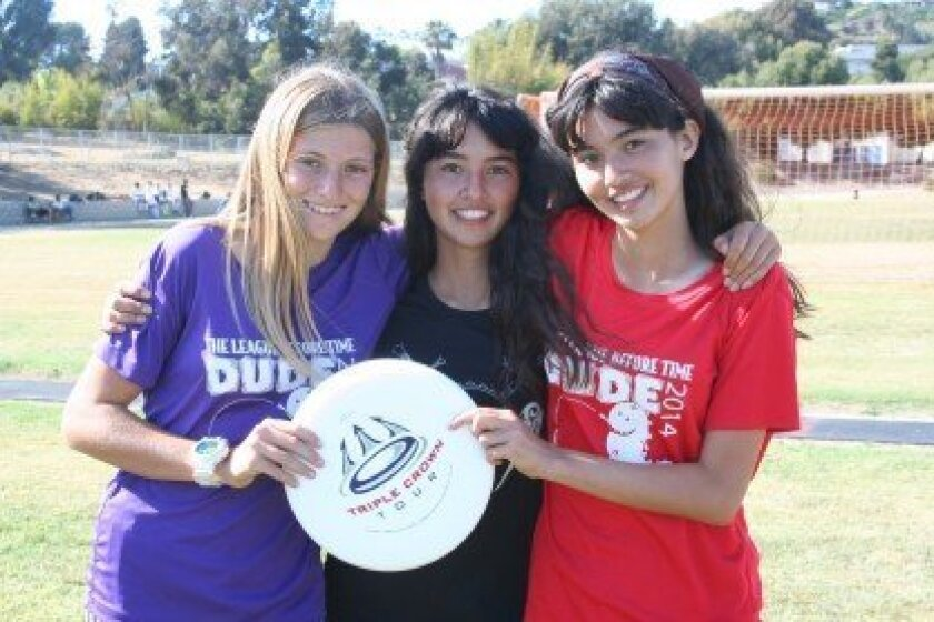 Eighth graders Vanessa Beeler and identical twin sisters Ava and Lauren Hanna formed an Ultimate Frisbee Club at Earl Warren Middle School in Solana Beach. Photo/Kristina Houck