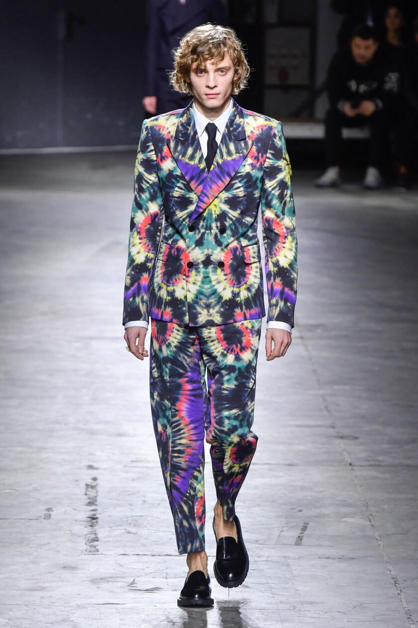 Dries Van Noten : Runway - Paris Fashion Week - Menswear F/W 2019-2020