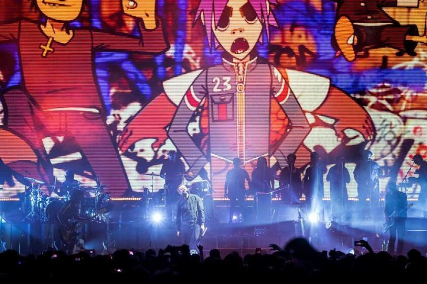 Muy impactante fue la presentación de Gorillaz, la banda más esperada del Festival y que reunió a más de 60.000 personas en el Foro Sol. En la imagen el registro de una de las presentaciones de la banda virtual británica. EFE/Archivo