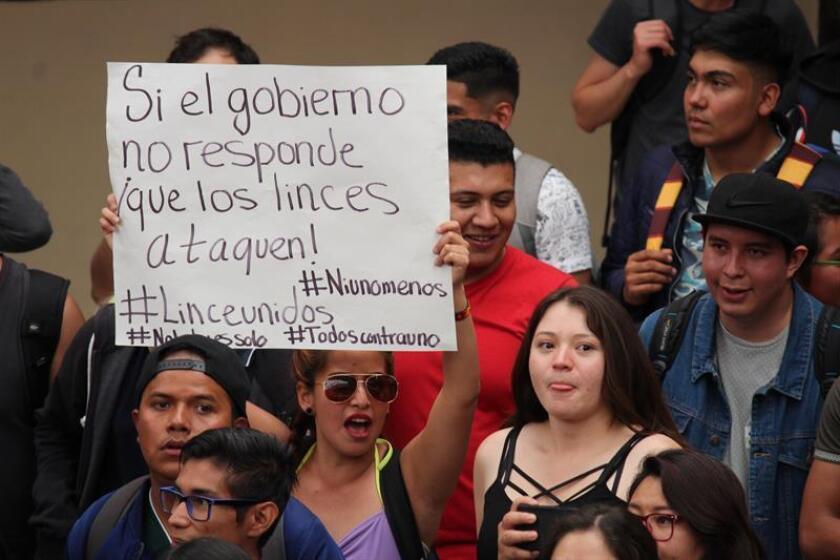 Miles de estudiantes se manifestaron este viernes en el Instituto Tecnológico de México en Celaya, en el céntrico estado de Guanajuato, en protesta por la creciente inseguridad y los casos de violencia vividos en el campus. EFE