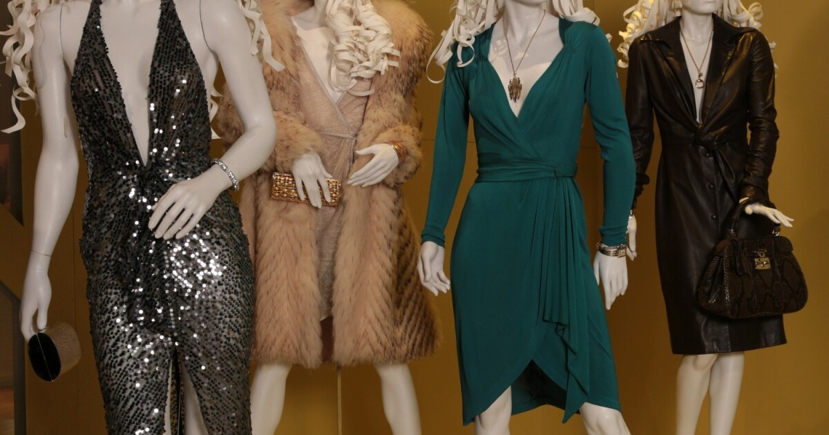 Costumes From 2013 S Best Movies Others On Display At Fidm Los Angeles Times