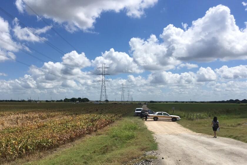 Esta fotografía muestra la zona cerca de donde se estrelló un globo, en las inmediaciones de Lockhart, Texas, el 30 de julio del 2016. (AP Foto/James Vertuno)