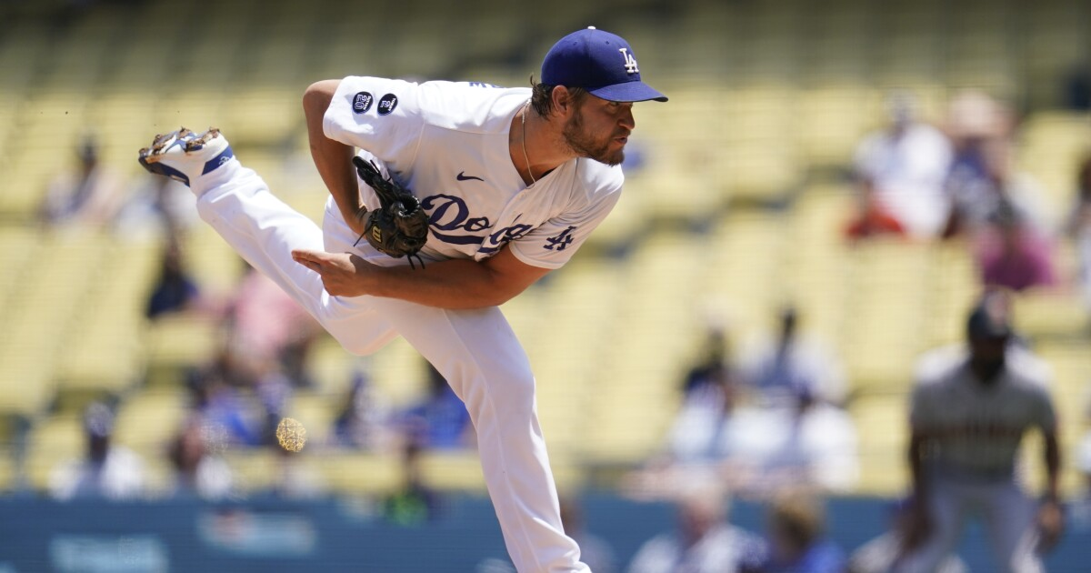 Dodgers make late comeback but can't avert third straight loss to Giants