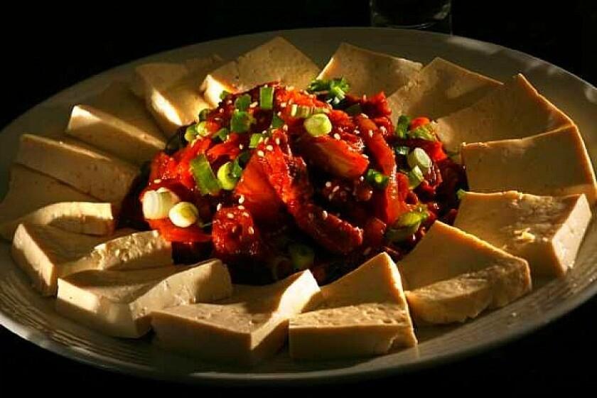 Tofu with kimchi (Dubu kimchi)