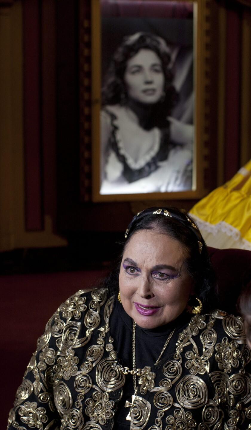 Fotografía de archivo fechada el 25 de marzo de 2020 de la cantante mexicana Flor Silvestre
