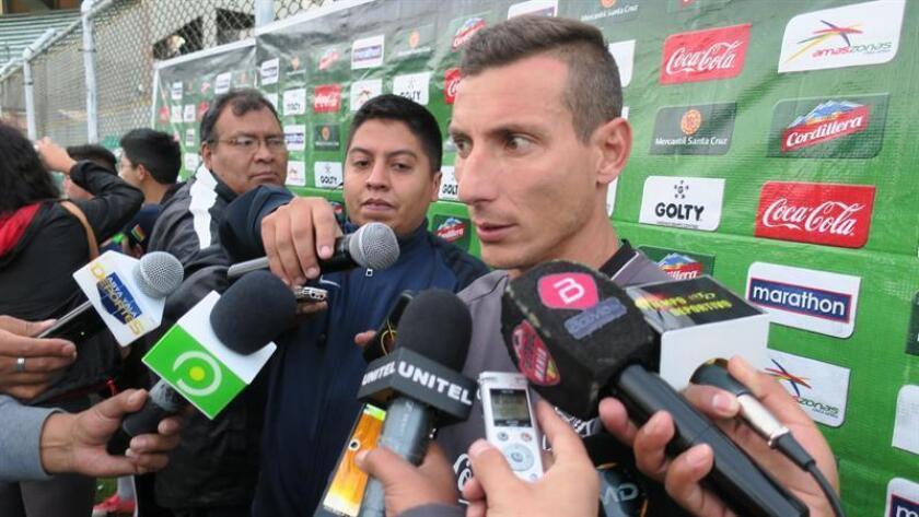 En la imagen, el futbolista boliviano Pablo Escobar. EFE/Archivo