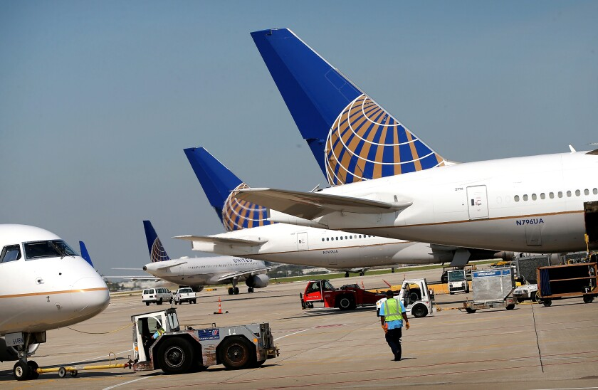 United Airlines jetliners at Chicago's O'Hare airpor.