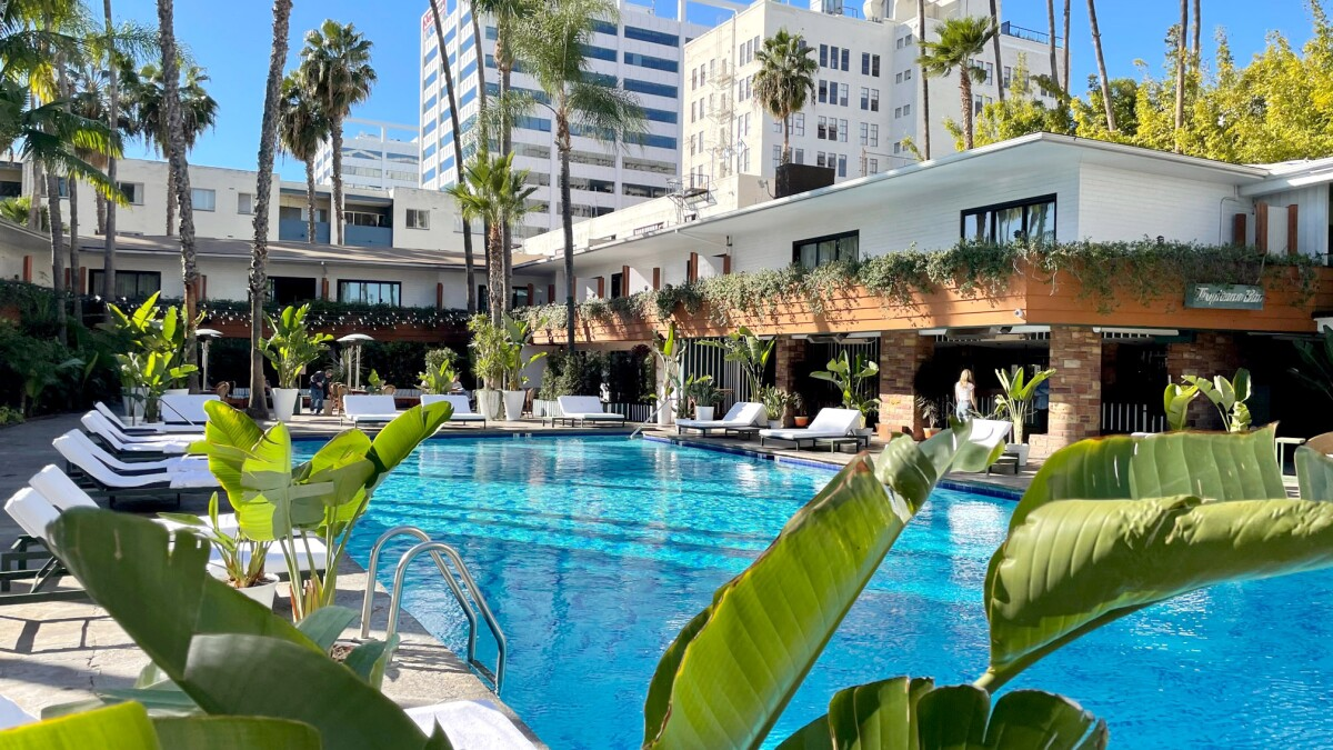 8 Of The Best L A Hotel Pools That Offer Day Passes Los Angeles Times