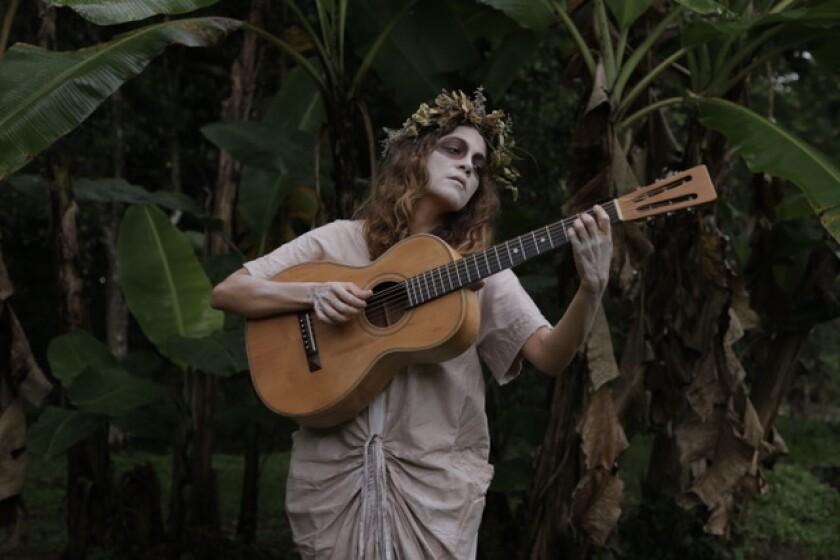 La cantante y compositora Natalia Lafourcade se prepara para una festividad muy significativa.