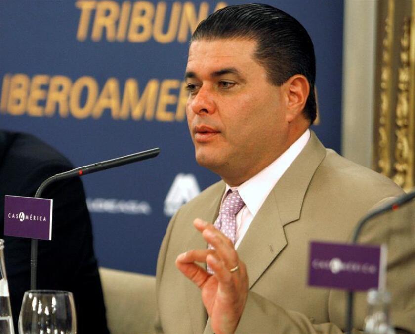El exalcalde de San Juan, Jorge Santini (2001-2013), expresó hoy su intención de volver a administrar la capital puertorriqueña, tras radicar hoy su candidatura a la presidencia del Comité del gobernante Partido Nuevo Progresista de la ciudad amurallada. EFE/Archivo