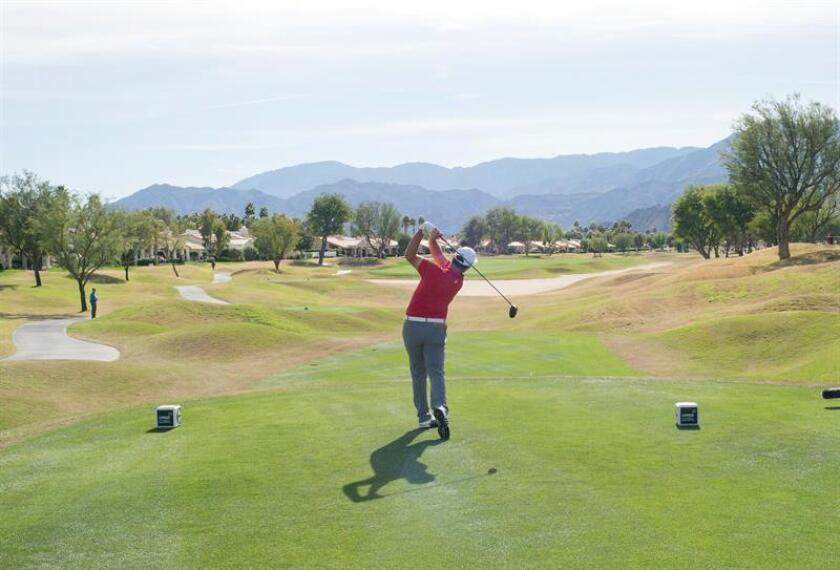 Jon Rahm de España en acción durante la ronda final del CareerBuilder Challenge en el Country Club La Quinta, en La Quinta, California (EE.UU.). EFE