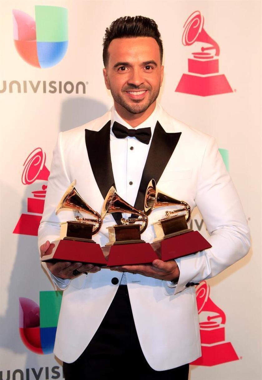 """""""Despacito"""", tema del cantante puertorriqueño Luis Fonsi en colaboración con su compatriota Daddy Yankee, fue grabado hoy hace justo un año en la isla caribeña, canción que alcanzó la posición número uno en más de 40 países de todo el mundo. EFE/ARCHIVO"""