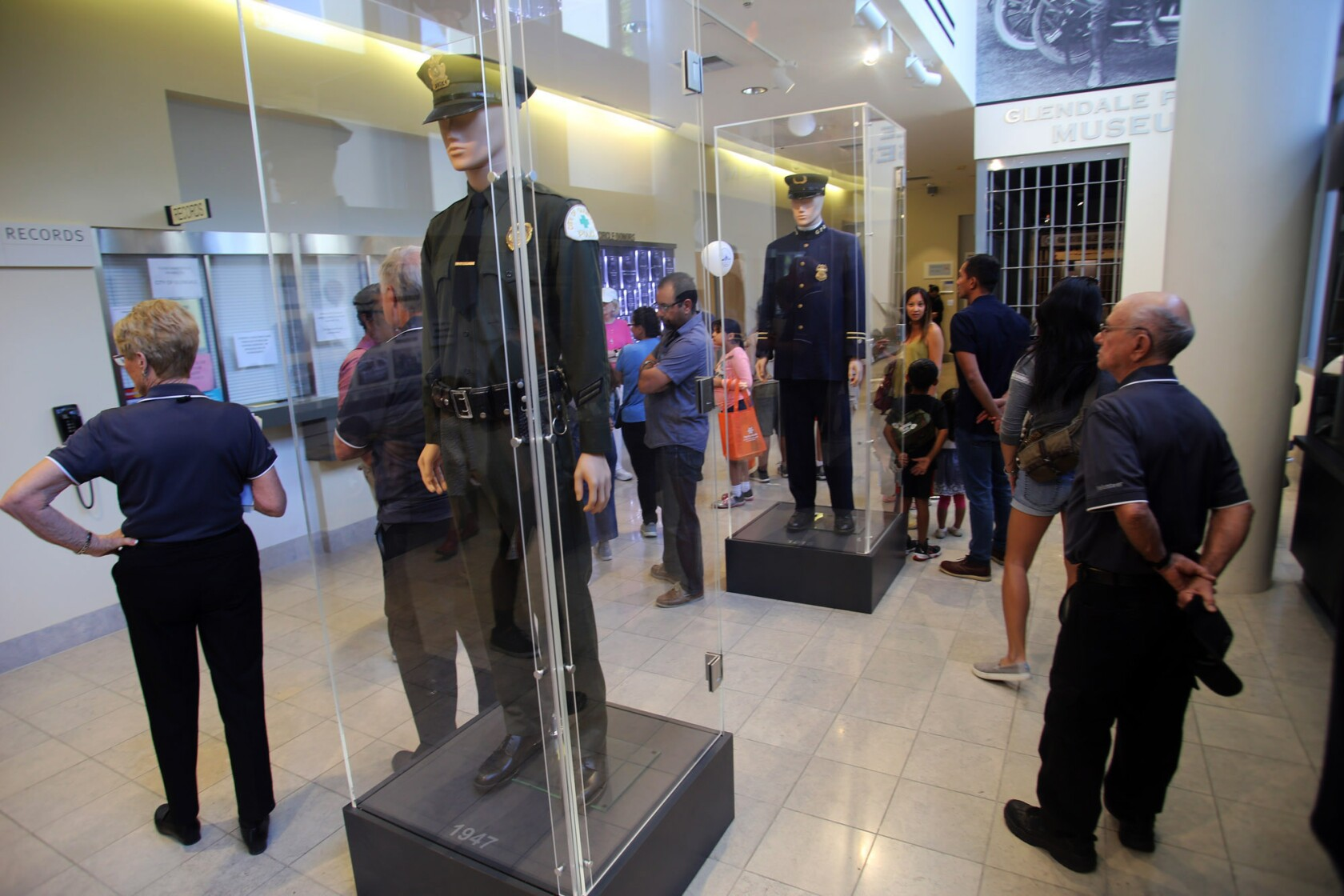 Glendale police opens its doors to the community