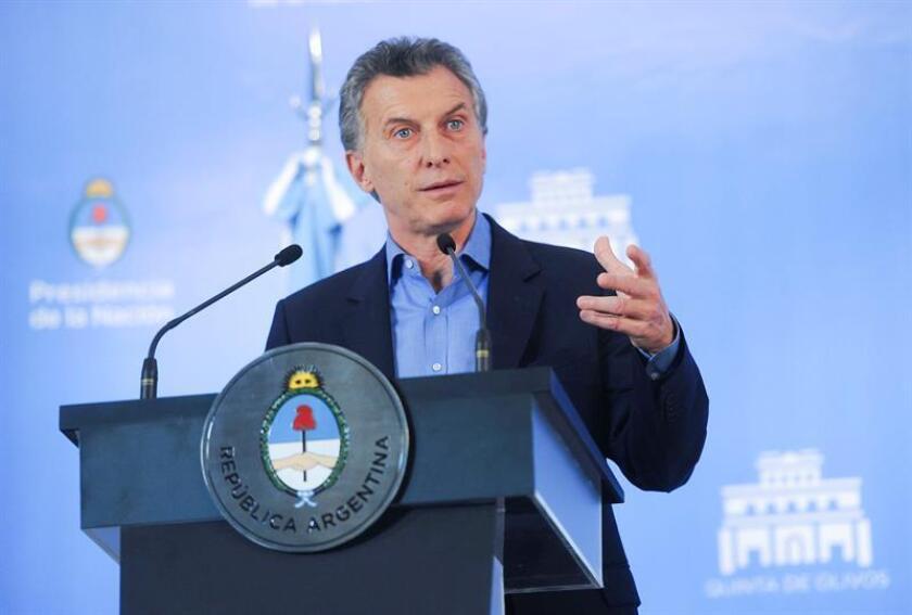 """El presidente de Argentina, Mauricio Macri, reconoció hoy que """"un tercio de los argentinos es pobre"""" y que eso es algo que """"duele"""", luego de que se conociera que el país registró un 32,2 % de personas pobres en el segundo trimestre del año, pero defendió las medidas del Gobierno contra este problema."""
