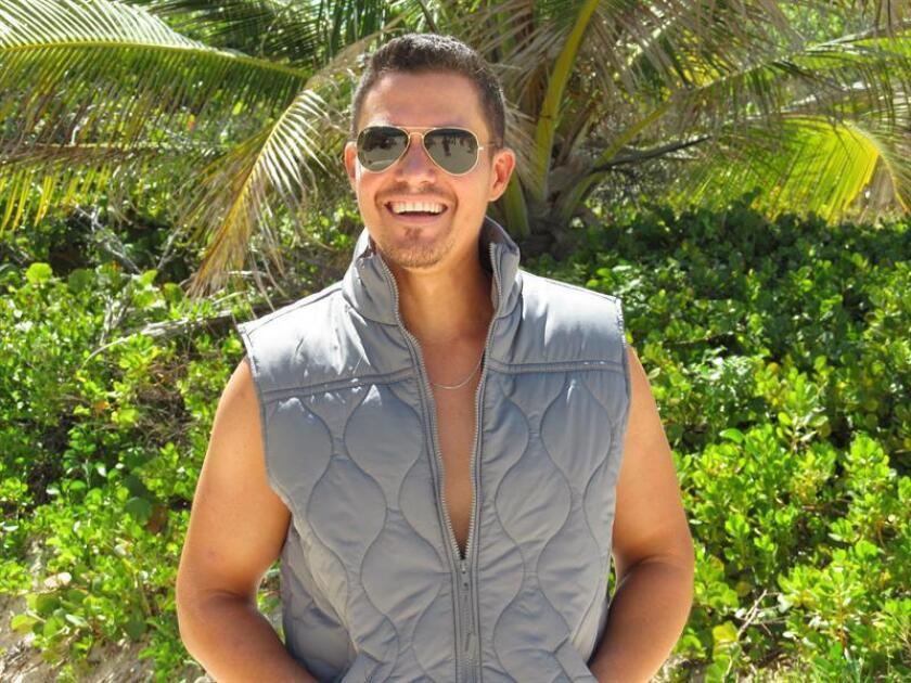El puertorriqueño Manolo Ramos retomará su carrera como productor y cantante de su música, después de hacerlo para otros artistas y el éxito que han tenido dos autorías que recientemente lanzó dedicadas a su hijo y a sus padres. EFE/ARCHIVO