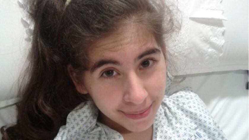 Esta joven chilena, oriunda de la ciudad de Talca, en el sur de Santiago, sufre desde finales de 2013 una extraña condición que, hasta ahora, la medicina de su país no ha podido diagnosticar de forma concluyente.