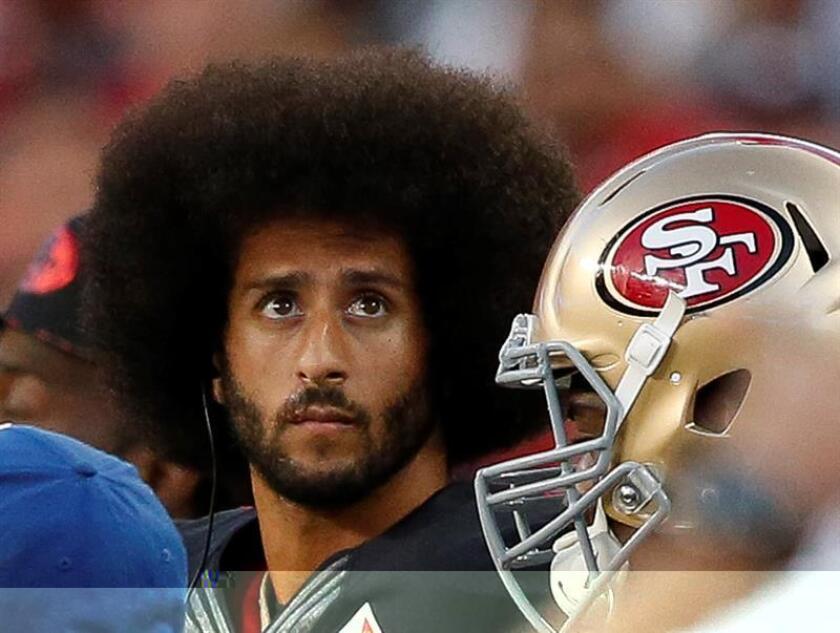 El jugador de ataque de San Francisco 49ers Colin Kaepernick. EFE/Archivo