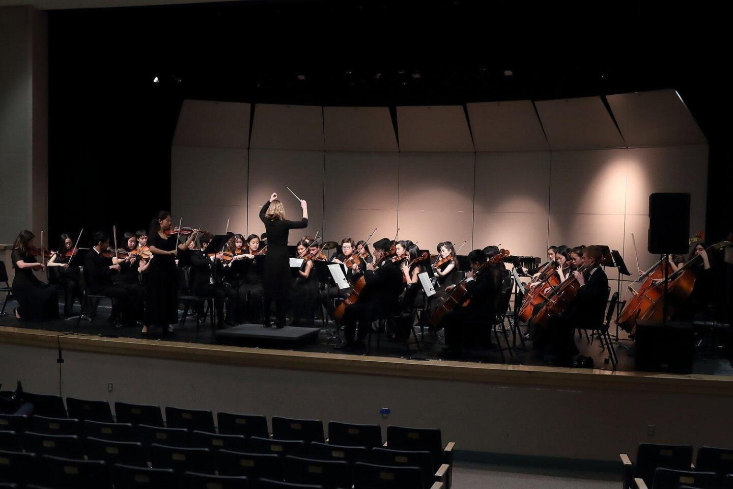 TPHS Advanced Orchestra directed by Amy Gelb