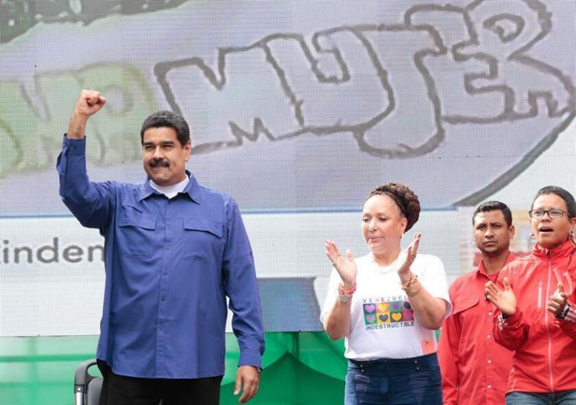 """La Asociación Bancaria de Venezuela (ABV) emitió hoy un comunicado en el que informa de un """"proceso de introducción"""" de billetes de mayor denominación en las entidades bancarias del país, que compensará la escasez de efectivo que se ha registrado en los últimos días."""