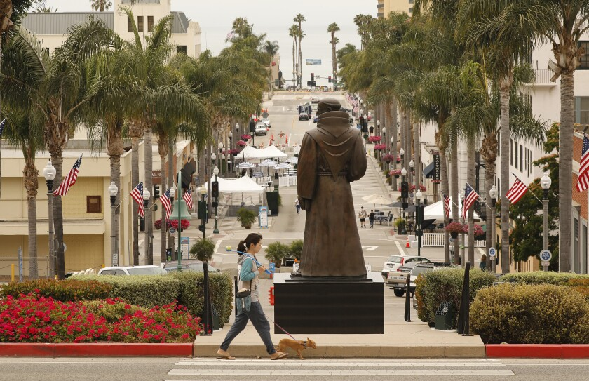 A statue of Junipero Serra before Ventura City Hall