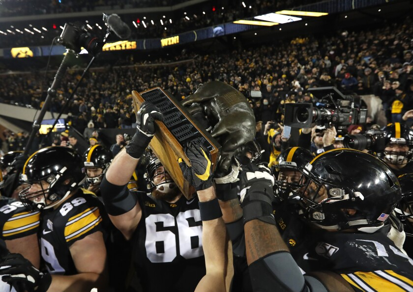 Friday Night For Floyd Big Ten Moves Iowa Minnesota Game Up
