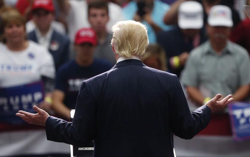 El candidato republicano a la presidencia Donald Trump habla el lunes 22 de agosto del 2016 en Akron, Ohio. (Foto AP/Gerald Herbert)