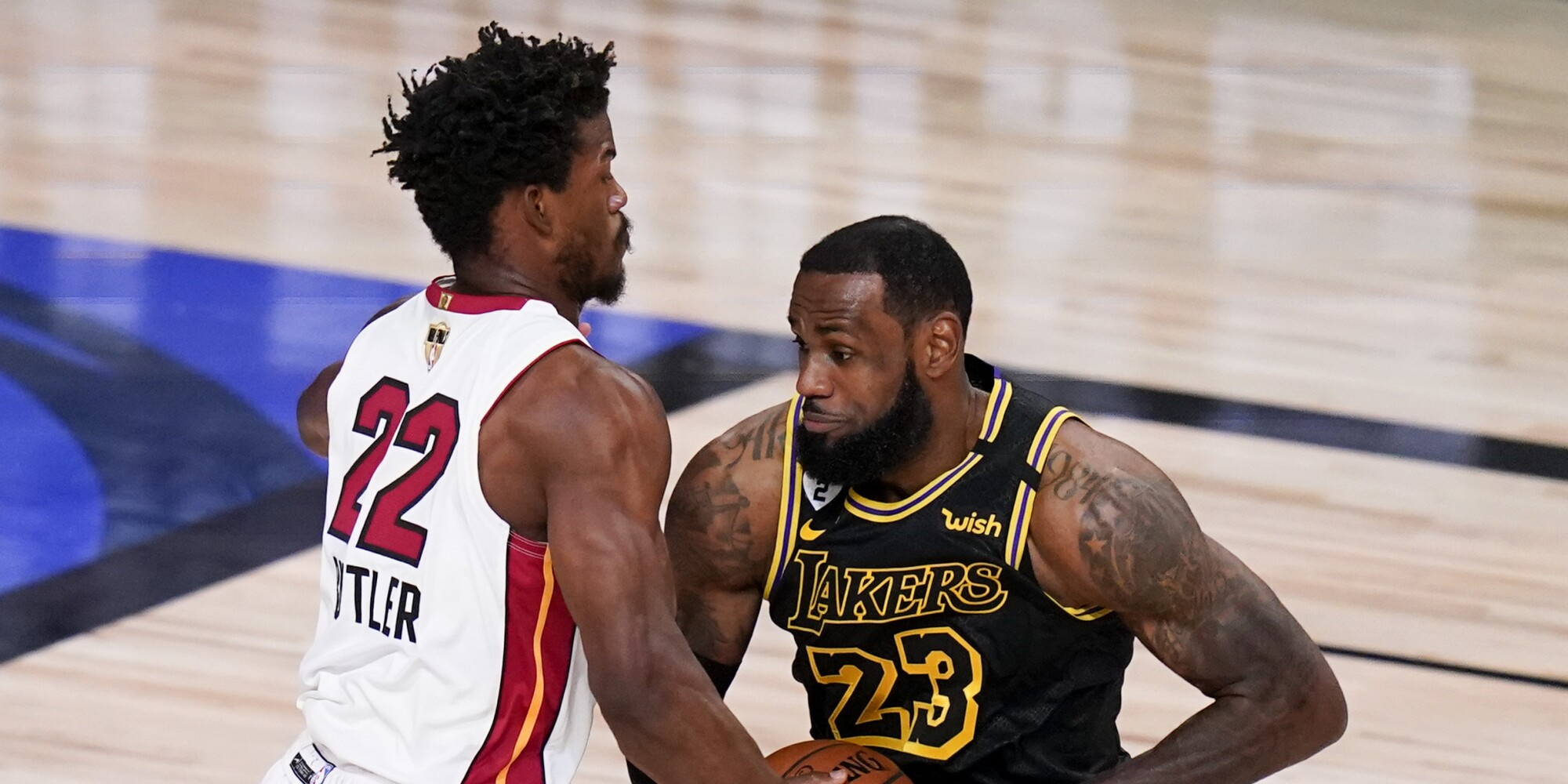 Lakers Lose To Heat In Game 5 Of Nba Finals Lead Series 3 2 Los Angeles Times