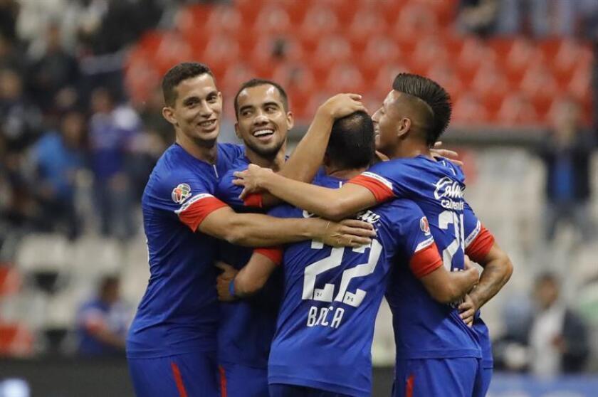 Imagen de archivo de jugadores de Cruz Azul. EFE/Archivo