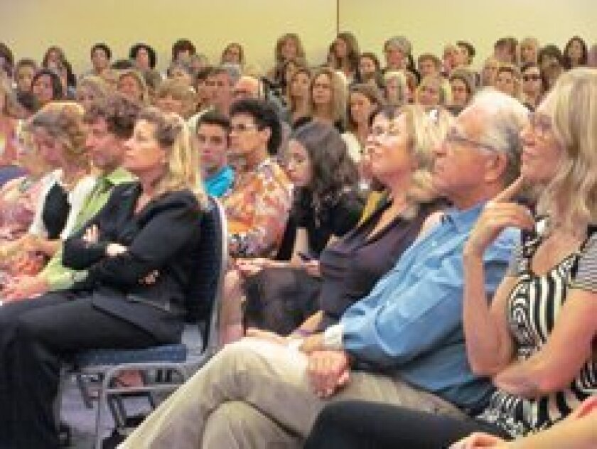 The crowd listens to Gloria Steinem during the Inspiring Minds Speaker Series of the Congregation Beth Am in Carmel Valley on Oct. 10.