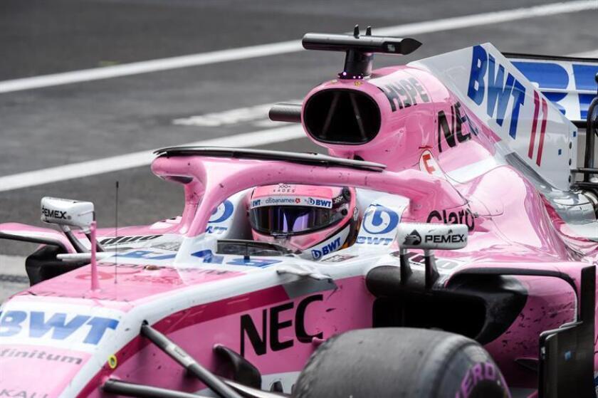 El corredor mexicano Sergio Pérez de Force India abandona hoy, domingo 28 de octubre de 2018, el Gran Premio de México de Formula Uno, en el Autódromo Hermanos Rodríguez, en Ciudad de México (México). EFE/POOL