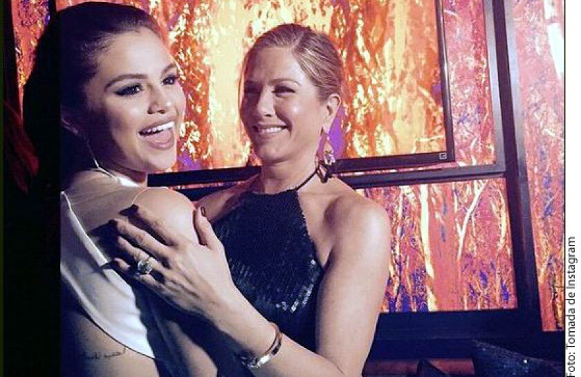Selena Gómez y Jennifer Aniston
