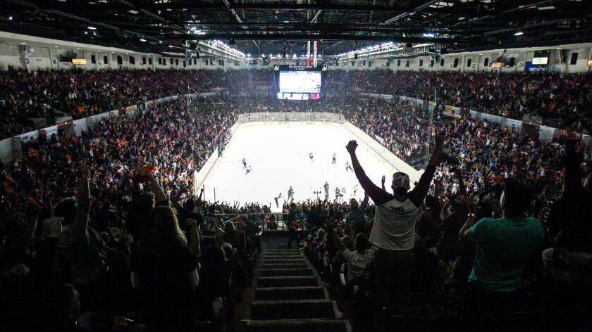 SAN DIEGO, October 13, 2017 | Fans cheer the Gulls after they scored a goal during the third period