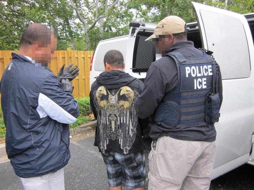 Un total de 37 inmigrantes provenientes de trece países fueron arrestados durante cinco días de operativos en Nueva Jersey por agentes de Oficina de Control de Inmigración y Aduanas (ICE), informó hoy la agencia en un comunicado. EFE/ICE /USO EDITORIAL/NO VENTAS